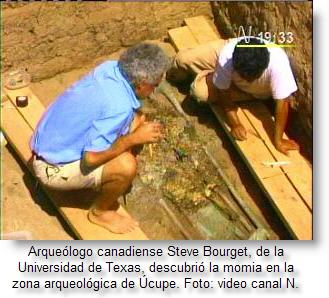 http://www.peruenvideos.com/wp-content/uploads/2008/07/steve-bourget-de-la-universidad-de-texas-descubrio-momia-en-lambayeque.jpg