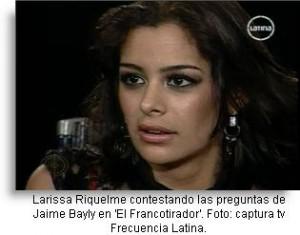 larissa-riquelme-con-bayly-post