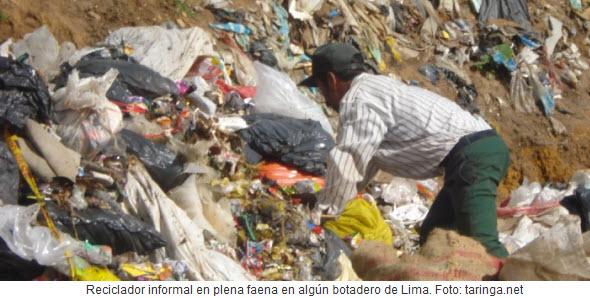 reciclador de basura en peru