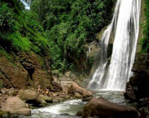 catarata El Velo de la Novia, chanchamyo, selva central - noticias