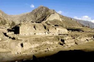 Turismo arqueológico en Ancash con la visita al complejo Chavín de Huantar