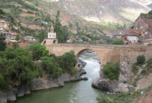 Puente de cal en Izcucacha