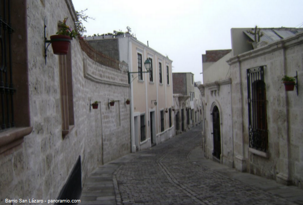 Barrio San Lázaro en la Ciudad Blanca