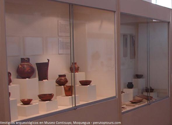 esposición de objetos arqueológicos en museo de Moquegua