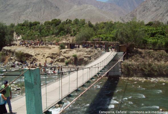 Puente de Catapalla en Cañete