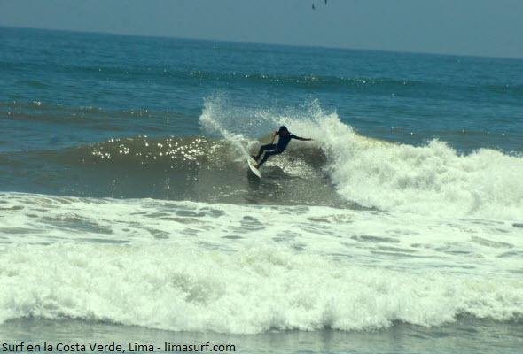 correr olas en playas de Lima