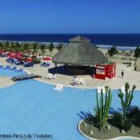 Piscina y zona recreativa del hotel todo incluido en Tumbes, Perú