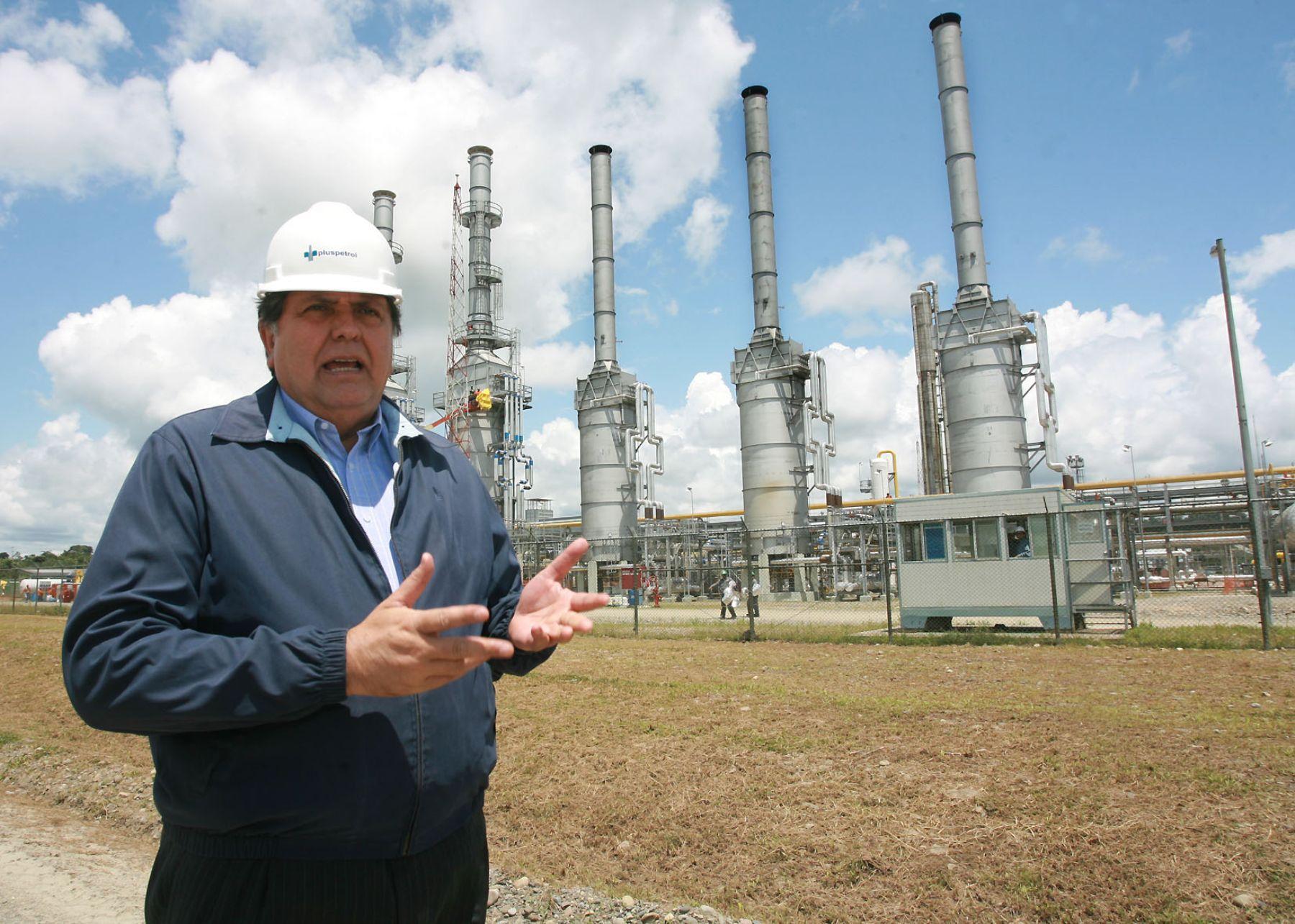 Alan García en el Cusco en planta Las Malvinas