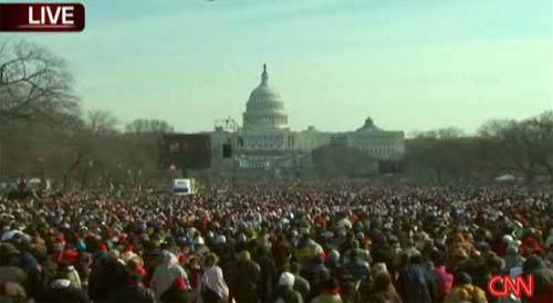 multitud-de-gente-en-el-capitolio-por-asuncion-de-mando-de-obama