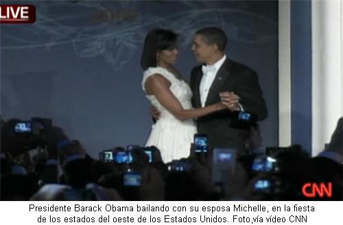 obama-y-su-esposa-michelle-bailando