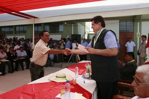 presidente-garcia-entrego-obras-en-piura-foto-andina