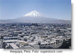 arequipa-peru_foto_superstock-via-peruenvideos