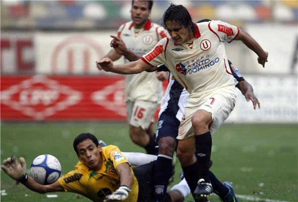 U-gano-por-dos-a-uno-a-Alianza-Lima-clasico-futbol-peru-noticias