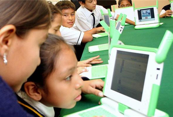 escolares-estudiando-noticias-peru-post