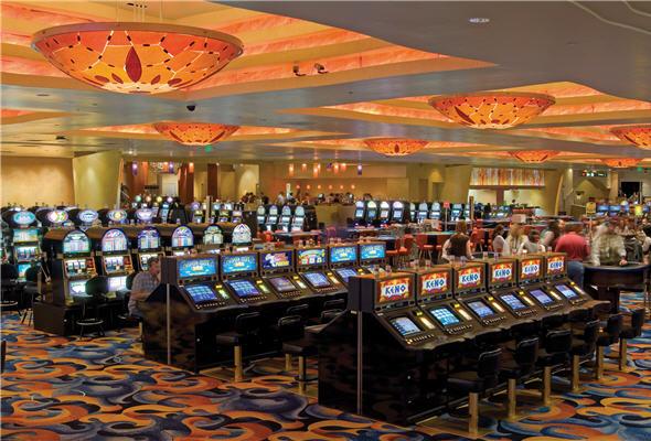 Tragamonedas y casinos en Lima no apuestan por la salud