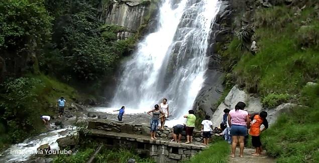 Imagen de la Catarata de Huanano en Huarochirí, provincia de Lima