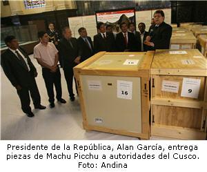 Piezas de Machu Picchu son entregadas a autoridades cusqueñas