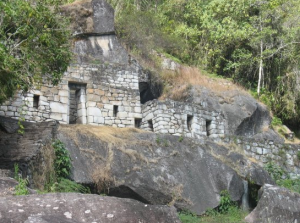 Templo de la Luna en el Huayna Picchu