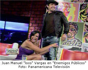 Juan Manuel Vargas es medido en el muslo por Mónica Cabrejos