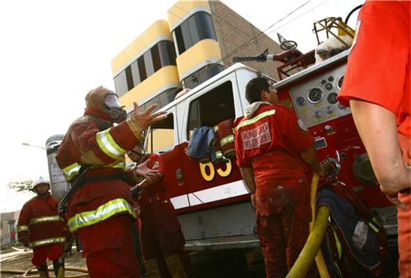Bomberos previenen accidentes - noticias