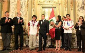 Jorge Cori condecorado por presidente Humala - noticias