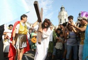 Cristo Cholo en el Cerro San Cristóbal, pasion de Cristo, Viernes Santo - noticias