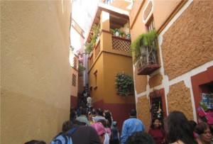 Turismo en México, conozca el Callejón del Beso en Guanajuato