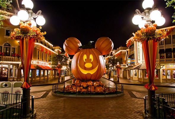 Parque temático de Disney celebra Halloween - noticias