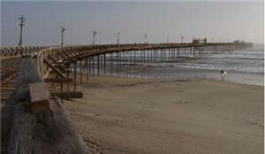 playa de pimentel con un enorme muelle - noticias