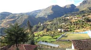 Pueblo en los Andes Peruanos