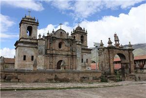 la iglesia San Miguel de Mamara en Apurímac
