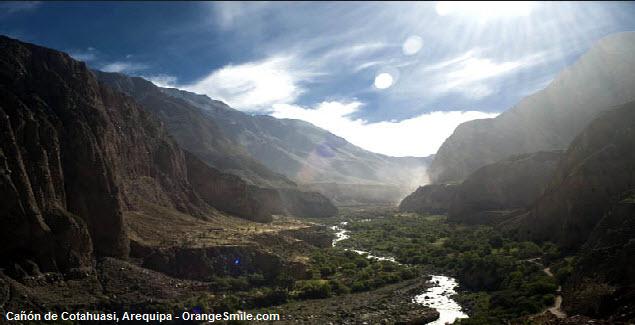 Valle y Cañón de Cotahuasi en el sur del Perú