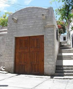 Puerta de la Casa Encantada de Yanahuara