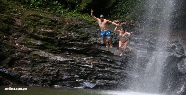 Aprovecha tus vacaciones para hacer turismo en Tarapoto: imagen Catarata de Ahuashiyacu
