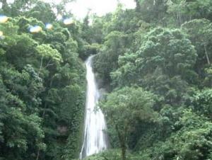 Bella imagen de las Cataratas El Breo en Juanjuio, región San Martín - Perú