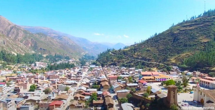 Vista panorámica del distrito de Chalhuanca en Apurímac
