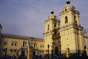 Exterior de la Iglesia San Francisco de Lima