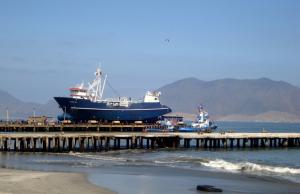 Embarcaciones en el Puerto de Chimbote