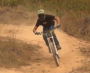 practica de bicicleta de montaña