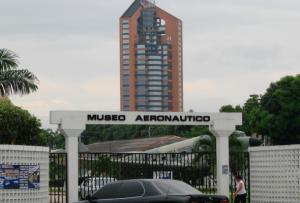 Fachada exterior del Museo de  Aeronáutica en Base Aérea Las Palmas