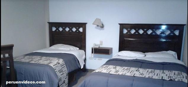 Habitación con cama matrimonial más cama simple: Hotel El Portal del Marques