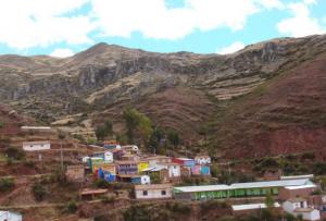Distrito de Huanco en la sierra del Perú