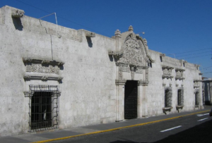 monumento colonial mas antiguo de Arequipa