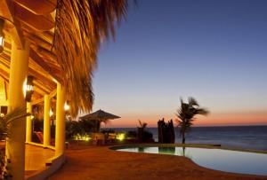 hotel en playa Punta Sal