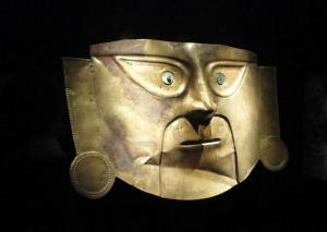 Valiosa pieza de oro de la época del Imperio de los Incas en Perú
