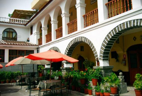 casona colonial en ayacucho