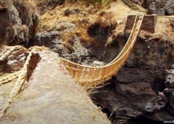 El Puente Q'eswachaka sobre el río Apurímac