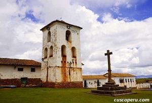 cruz en Chinchero