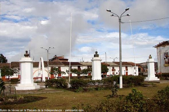 Grau, Bolognesi y Quiñones en plazuela de Chachapoyas