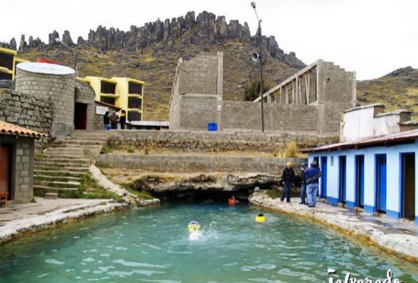 Aguas termales en Huayllay